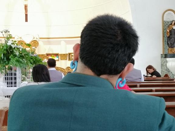 教会で・・・のサムネイル